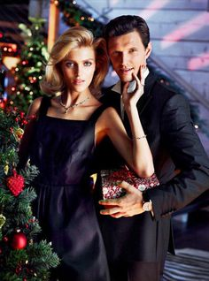 Apart Christmas 2013 - Whether dressed in an elegant dress or casual knits, model Anja Rubik is utterly gorgeous in the Apart Christmas 2013 ad campaign. Starring alongsi...