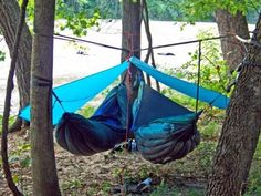 Lightweight Hammock For Camping – If you are looking for a lightweight hammock for camping or hiking outdoors browse this page for a large selection and options. Bushcraft Camping, Camping En Kayak, Backpacking Hammock, Camping And Hiking, Camping Survival, Family Camping, Camping Gear, Camping Hacks, Camping Hammock