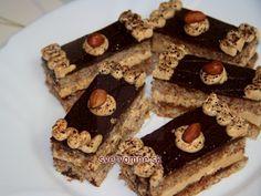 Kávovo karamelové rezy • Recept | svetvomne.sk Kolaci I Torte, Czech Recipes, Nutella, Tiramisu, Waffles, Caramel, Food And Drink, Sweets, Cookies