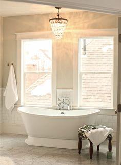 Romantiska badrum – kristallkronan pricken över i - Sköna hem