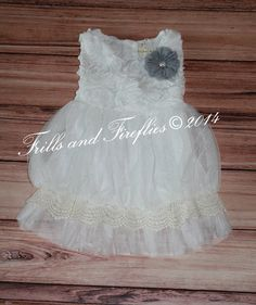 Off White Vintage Flower Girl Dress, Ivory Lace bottom, complete with Flower Sash... Rustic Flower Girl Dress, Sizes 2t, 3t, 4t, 5t, 6