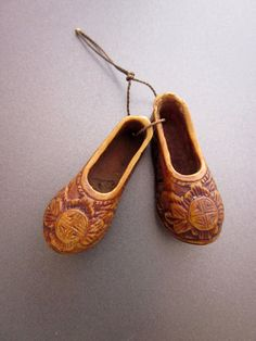 Vintage Miniature Shoes Netsuke by JeepersKeepers on Etsy