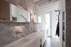 Bathroom design by Dutch designer Piet-Jan van den Kommer | Bathroom | Interior