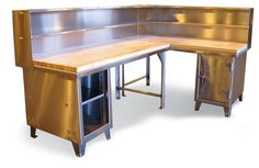 An old modular desk set could work as a workbench in the corner of a garage. Workbench With Storage, Workbench Ideas, Corner Workstation, Stainless Steel Cabinets, Industrial Storage, Garage Cabinets, Garage Design, Desk Set, Storage Solutions