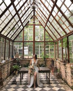 I would love a greenhouse / conservatory! Best Greenhouse, Backyard Greenhouse, Greenhouse Plans, Portable Greenhouse, Greenhouse Attached To House, Pallet Greenhouse, Homemade Greenhouse, Cottage Garden Design, Glass House