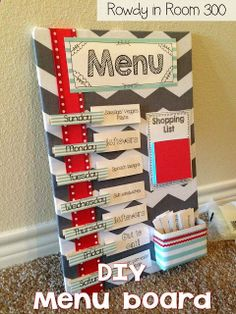 DIY Menu Board - the back of each card shows the ingredients needed for each meal | rowdy in room 300