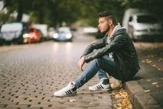 49 Trendy fashion photography poses for men - Photography, Landscape photography, Photography tips Portrait Photography Poses, Fashion Photography Poses, Photography Women, Photography Ideas, Photography Lighting, Photography Backdrops, Photography Tattoos, Photography Composition, Modeling Photography