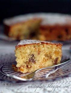 Wilgotne ciasto kokosowo-morelowe - White Plate