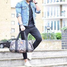 Essentials #hoodsfashion ➖➖➖➖➖➖➖➖➖➖➖➖➖➖➖➖ Follow @trillestoutfit for more fashion outfits!