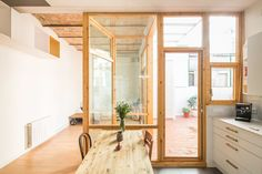 [BY 디아티스트매거진] CAVAA arquitectes ©Filippo Poli 창의적인 발상을 통해 한정된 공간에 대한 유...