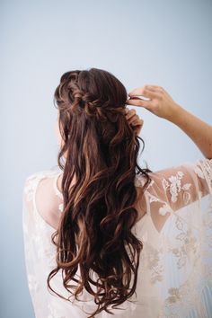 Braided Chignon bridal hair tutorial | Photo by Jennifer Fujikawa Photography | 100 Layer Cake