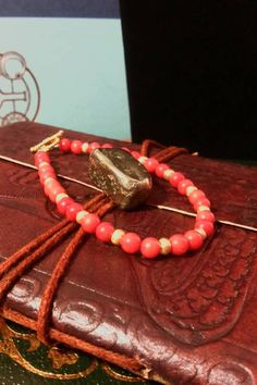 coral-and-gold-bracelet #bracelets #red #coral #gold #beads