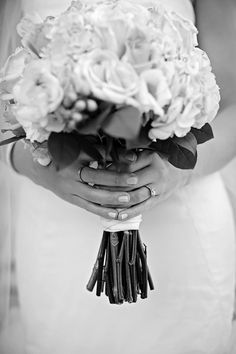 Simple, and interesting capture of holding bouquet
