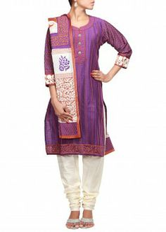 Kalkifashion offers a wide variety of Indian salwar kameez online in US, UK, Canada and Australia. We provides different types of salwar kameez like designer salwar kameez, anarkali salwar kameez, wedding and bridal salwar kameez