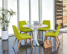 Vero Meeting Tables by Arcadia