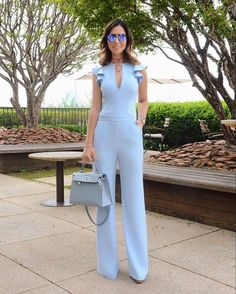 This article contains the best spring work outfits. These outfits are stylish, modern and most importantly totally new Blue Jumpsuits, Jumpsuits For Women, Playsuits, Spring Work Outfits, Look Chic, Chic Chic, Fashion Outfits, Womens Fashion, Latest Fashion