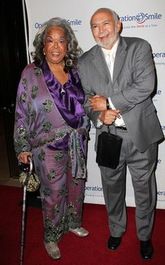 Della Reese Actress Della Reese (L) and her husband attends the Ninth annual Operation Smile gala at the Beverly Hilton Hotel on September 2.  A classy couple.  I'm glad to see she and her husband are fine.