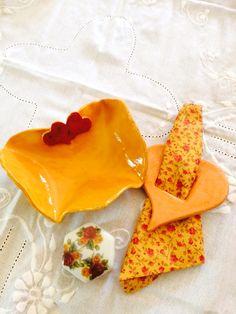 Conjunto de pratinho de ceramica porta guarda. Napo  e caixinha de porcelana linda ideia para decorar sua mesa de casamento de festa de 15 anos batizado e muitas outras festas
