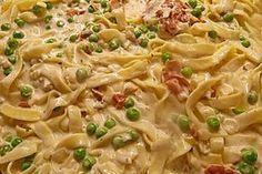 The best noodle and ham casserole - Abendessen - Pizza recipes Noodle Recipes, Pizza Recipes, Meat Recipes, Easy Dinner Recipes, Easy Meals, Ham Casserole, Casserole Recipes, Guisado, Musaka