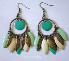 Boucles d'oreilles ** bohème duo de vert et touche de crème  : Boucles d'oreille par le-m-d-arilys