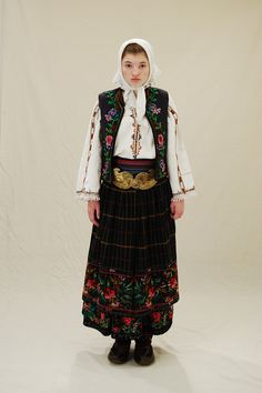 Zavičajni muzej Knjaževac Dalmatia Croatia, Costumes Around The World, Traditional Clothes, Serbian, Folk Costume, Ethnic Fashion, Folklore, Art Reference, Cool Outfits
