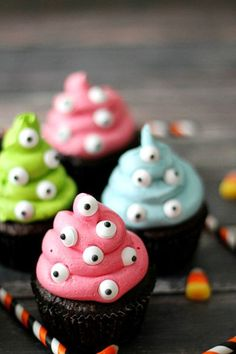 These desserts are fun and silly, and sweet and spooky! Top chocolate cupcakes with pops of frosting color and load them with tons of creepy eyes.