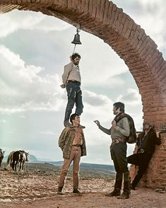 Passion for Movies: The Spaghetti Westerns of Sergio Leone Charles Bronson, Westerns, Great Western, Western Art, Great Films, Good Movies, Red Dead Redemption, Sergio Leone, Cowboy Pictures