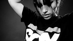 ana tijoux She is freaking awesome Showgirls, Latest Music, Change My Life, Website, Eye Candy, Dj, Photoshoot, T Shirts For Women, People