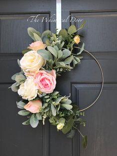 The Whimsical Door Boho hoop wreath bohemian floral wreath wedding wreath bridal wreath baby shower wreath rose wreath Farmhouse wreath floral hoop wreath Modern summer wreath lambs ear wreath Our bohemian hoop wreath has a mix of flowers and gorgeous gre Floral Hoops, Wedding Wreaths, Wedding Flowers, Wedding Decor, Wedding Ideas, Ideias Diy, Deco Floral, Summer Wreath, Wreath Fall