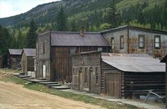 Once a booming mining town and trading post along railroadroutes running through central Colorado, St. Elmo wasabandoned when the railroad shut down in 1922. Many of thebuildings including stores, houses, and the church wereleft intact, filled with the belongings of their former residents.