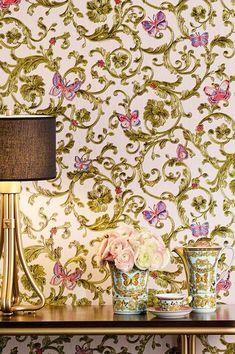 Un'opulenza tridimensionale che ricorda gli stucchi del passato - questa variazione della carta da parati di lusso Glory, di Versace è semplicemente irresistibile. Wallpaper Art Deco, Wallpaper Samples, Pattern Wallpaper, Versace Wallpaper, Luxury Wallpaper, Basic Colors, Colours, Motifs Art Nouveau, Color Lila