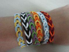 Of course, some tatting bracelts too! Pattern by the great Jane Eborall here: http://www.e.n.e.btinternet.co.uk/Bracelet2.pdf