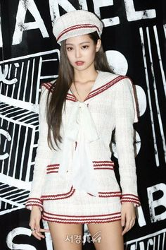 Black Pink Yes Please – BlackPink, the greatest Kpop girl group ever! Kim Jennie, Look Fashion, Womens Fashion, Japan Fashion, Fall Fashion, Kim Jisoo, Most Beautiful Faces, Devon Aoki, Color Rosa
