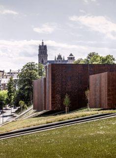 Este año, el Pritzker Architecture Prize ha recaido en los tres componentes del estudio catalán RCR_Arquitectes, Rafael Aranda, Carmen Pigem y Ramon Vilalta. Estas son algunas de sus obras más destacadas.