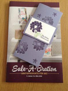Heute habe ich keine Weihnachtskarte für euch sondern mein erstes Projekt mit einem Stempelset aus dem Neuen Sale-A-Bration Katalog. Verwendet habe ich die Farben Flüsterweiß, Aubergine, Wasabigrün...