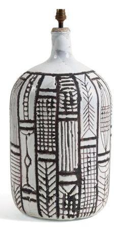 Ventes aux enchères Paris ROGER CAPRON (1906-1983) Grand pied de lampe de style africaniste Céramique