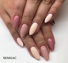 """Semilac nails (@semilac) na Instagramie: """"Multichrome 😍 Jak Wam się podoba takie połączenie? 😊 Wykorzystane kolory: 004 Classic Nude, 097…"""""""