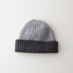 grey, gray, grey brioche stitch beanie.