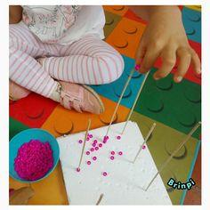 9 Actividades de Motricidad Fina Playing Cards, Infant Activities, Activities For Kids, Fine Motor, Playing Card Games, Game Cards, Playing Card
