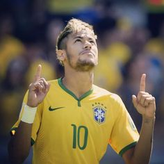 Brazil win 3-2 in the penalties and move on to the #WorldCup Quaterfinals!