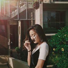 Indonesian Girls, Insta Photo Ideas, Sabrina Carpenter, Ulzzang Girl, Actors & Actresses, Selfie, Celebrities, Model, Photography