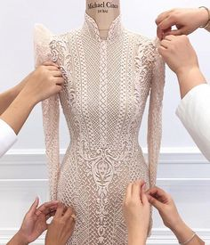 A couture outfit from Michael Cinco inspired by the traditional Filipino Barong and Terno, made of full bugle beads. Couture Details, Fashion Details, Fashion Design, Couture Dresses, Fashion Dresses, Filipiniana Dress, Filipiniana Wedding, Filipino Fashion, Moda Outfits