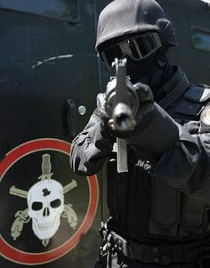PMERJ Polícia Militar Estado do Rio de Janeiro. BOPE. Batalhão de Operações…