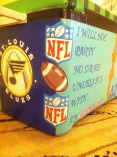 cooler corner idea United instead of NFL Diy Cooler, Coolest Cooler, Beer Cooler, Fraternity Coolers, Frat Coolers, Sorority And Fraternity, Formal Cooler Ideas, I Cool, Cool Stuff