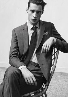 Adrien Sahores Poses for De Fursac Spring/Summer 2015 Look Book Gentleman Mode, Dapper Gentleman, Gentleman Style, Ford Models, Male Models, Pose Mannequin, Foto Cv, Look 2018, Sharp Dressed Man