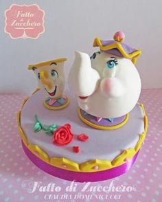 Potts and Chip (Beauty and the Beast) - Cake by Fatto di Zucchero - CakesDecor Cake Wrecks, Fancy Cakes, Cute Cakes, Fondant Cakes, Cupcake Cakes, Chip Beauty And The Beast, Belle Cake, Character Cakes, Disney Cakes