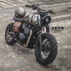 "Gefällt 4,180 Mal, 34 Kommentare - Zeus Custom (@zeuscustom) auf Instagram: ""Mad Max Scrambler 900 Built by ZEUS CUSTOM Model: Triumph Bonneville SE Black More info:…"""