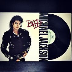 Klasika co nemůže chybět ve sbírce #LP #MichaelJackson #Bad #rv1987 #Supraphon #TheClassic #Stereo #Analog #Music #Vintage #Vinyl  Více info: http://www.discogs.com/Michael-Jackson-Bad/release/1259785