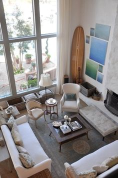 bedroom vintage surfboard theme | ... chic living room uses a vintage surfboard as part of it's decor