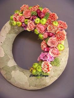 Floral wreath ~ Lovely floral designer, Onega Dahlgren from Sweden (and Russia)!